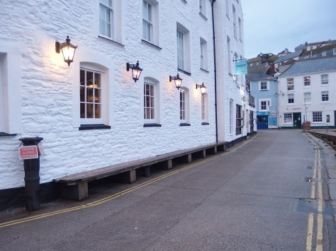 Roomy bench at Mevagissey - deserted in the evening, crowded during the day